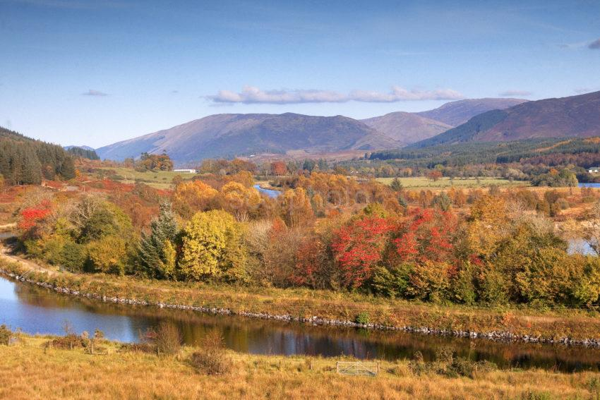 AUTUMN CALEDONIAN CANAL TOWARDS GAIRLOCHY