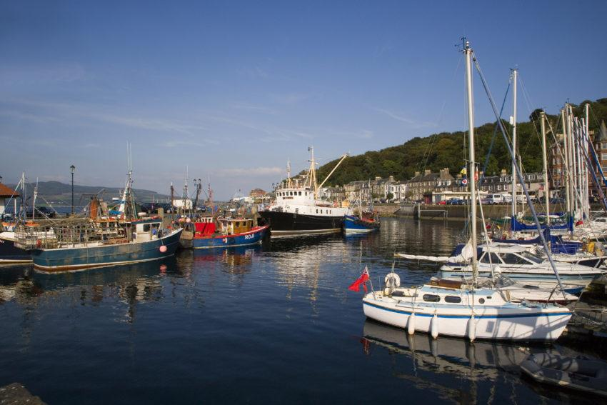 WY3Q0587 Rothesay Harbour Island Of Bute