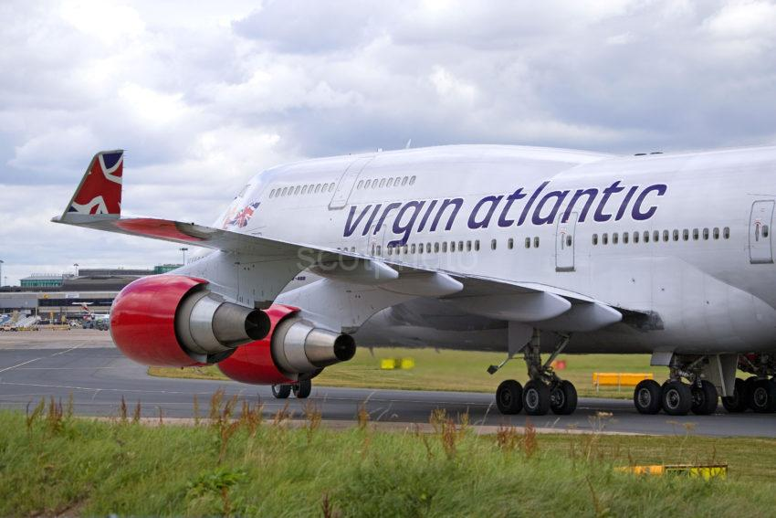 WY3Q4992 747 400 Virgin Atlantic 47MG