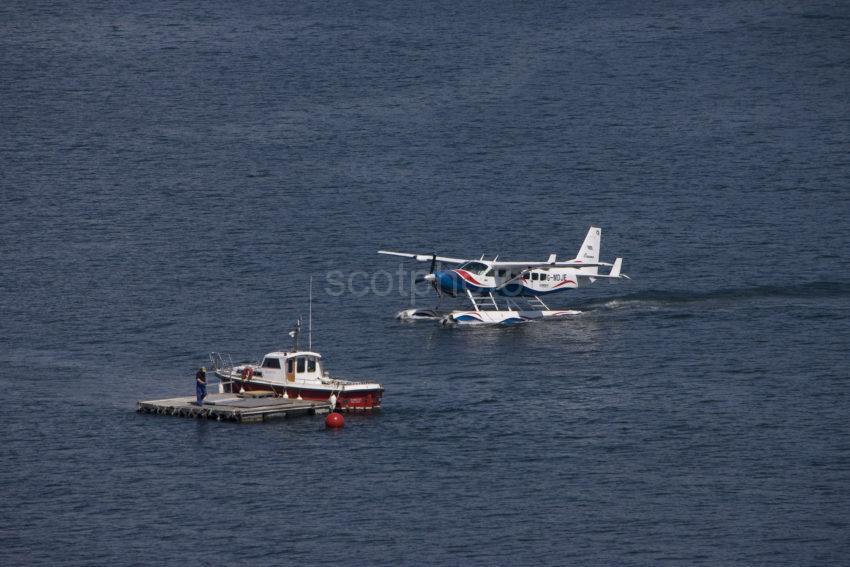 I5D6086 Seaplane Lands Oban Bay 2009 Glasgow To Oban Service