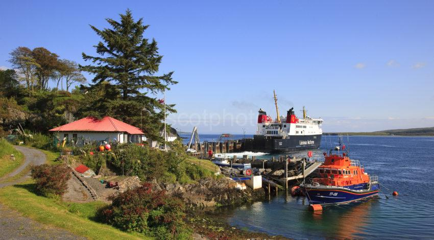 MV Finlaggan Departs Port Askaig Islay