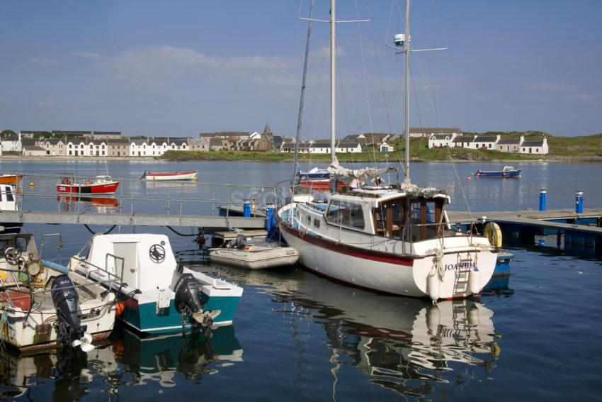 WY3Q1440 Port Ellen Harbour Islay