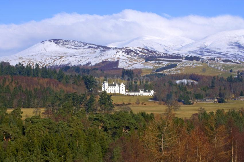 WY3Q8609 Blair Castle Winter