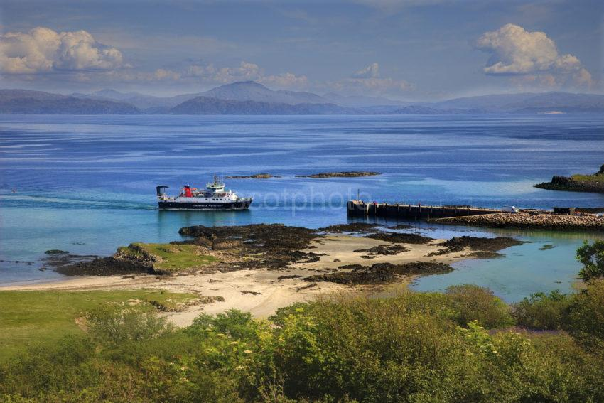 Great Shot The Loch Nevis Arriving At Eigg