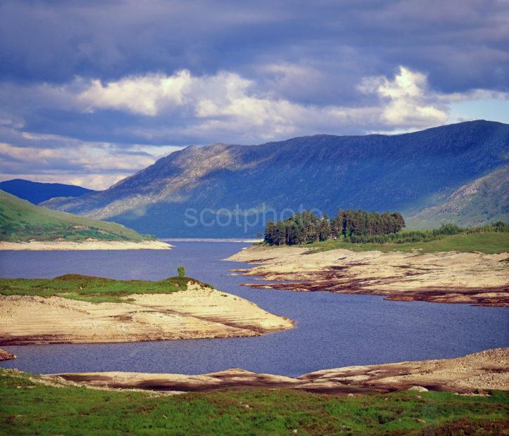 630caf0b Loch Cluanie Glen Shiel Moody Scene