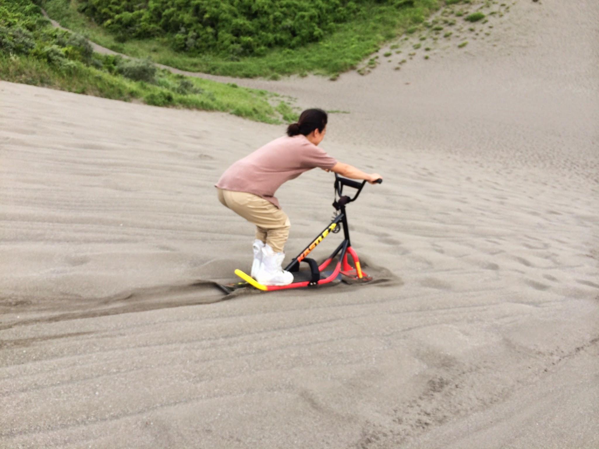 砂山でスノースクート
