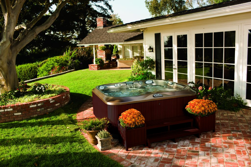 Jacuzzi hot tub in backyard DFW Texas area