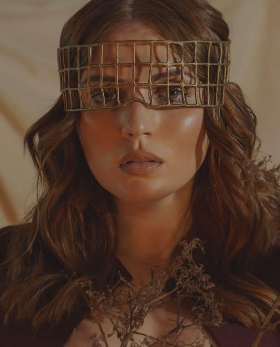 Golden throne face mask