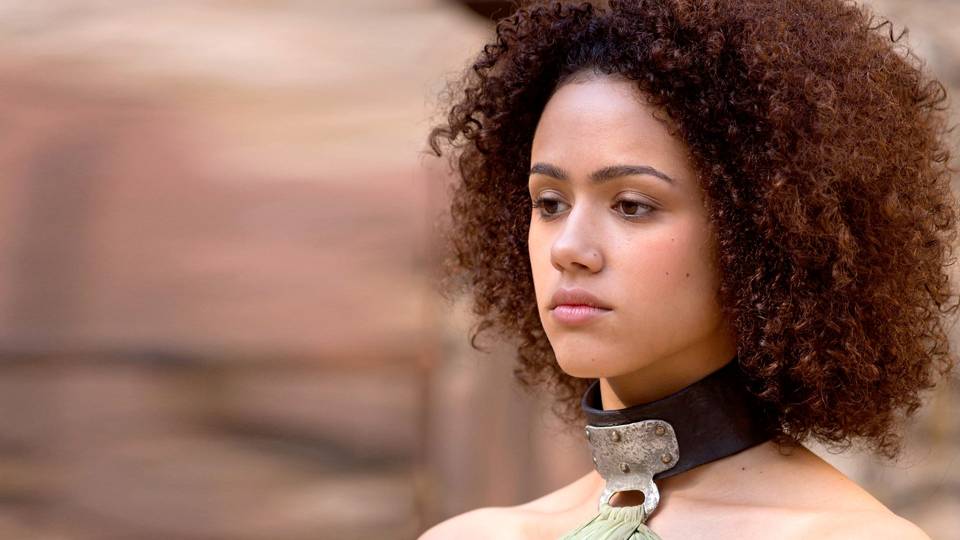 missandei of naath wears a collar to signify that she is a slave
