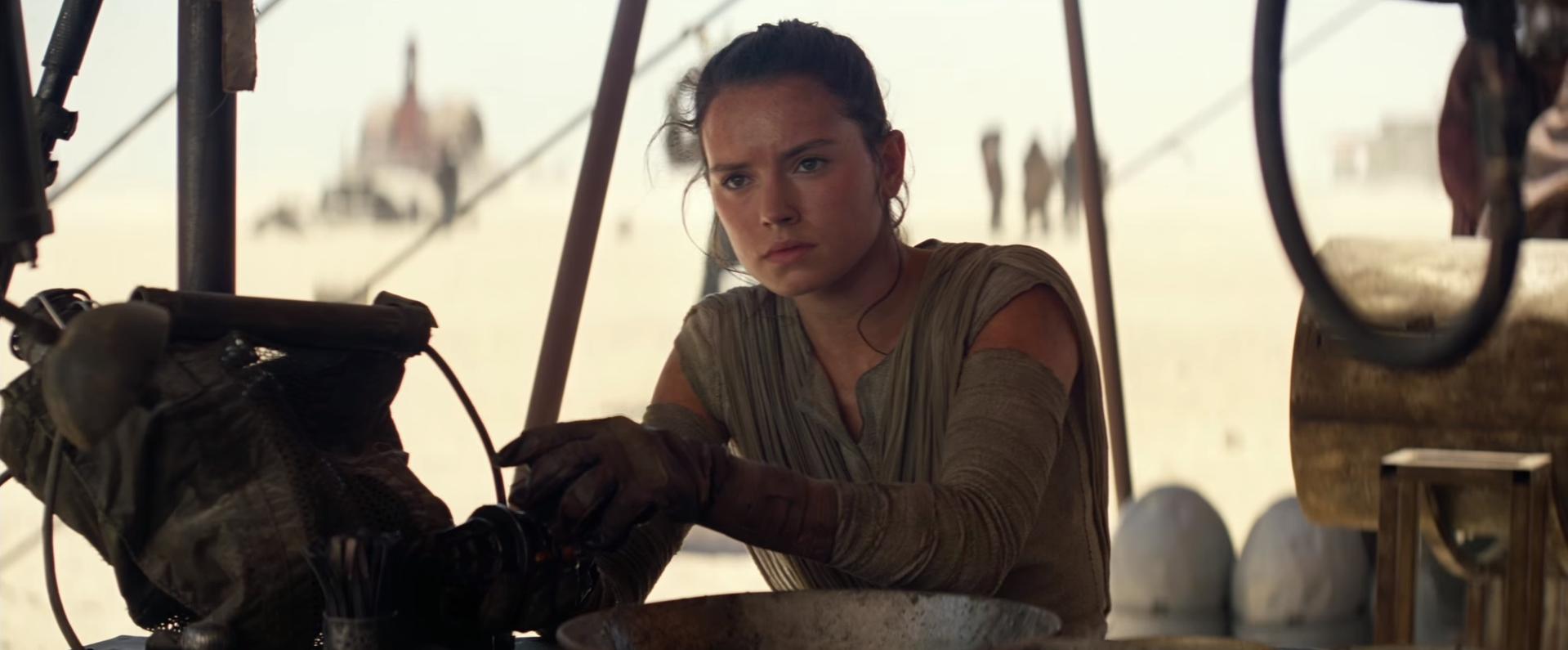 Rey from Star Wars looks at Sansa Stark.