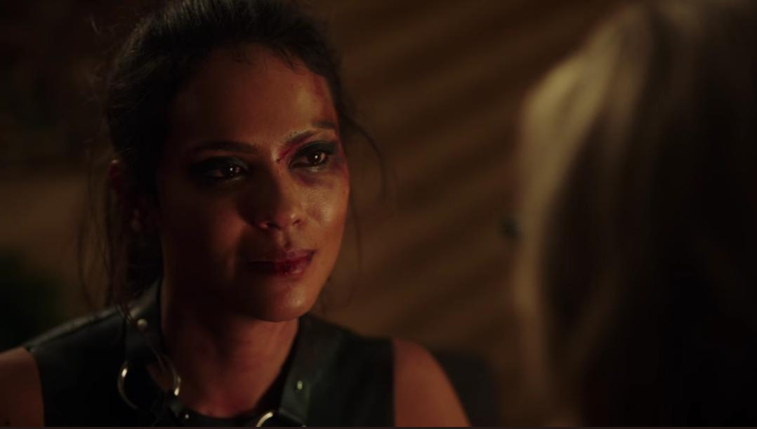 Mazikeen, bruised after fighting, talks to Linda