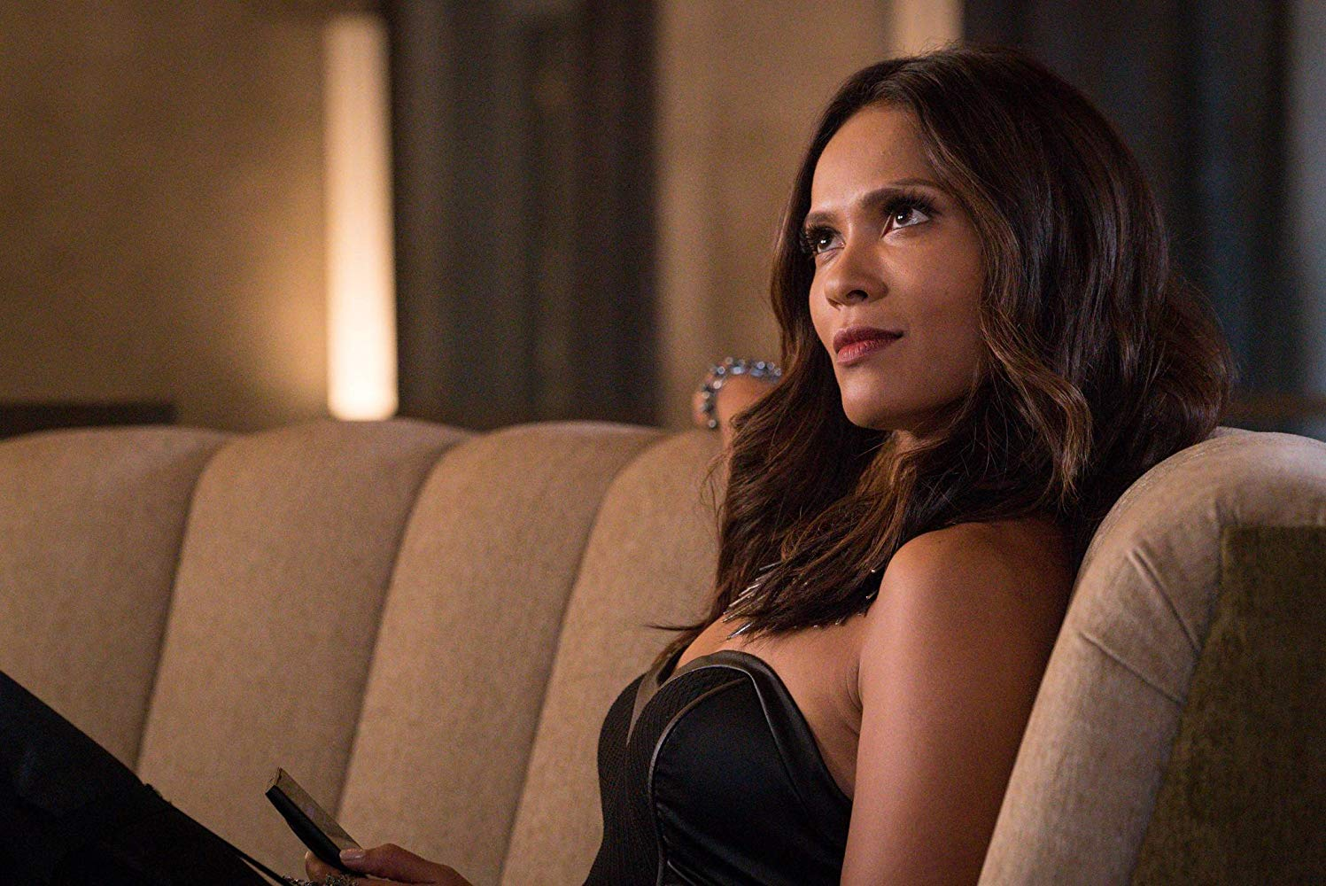Mazikeen on Lucifer's couch