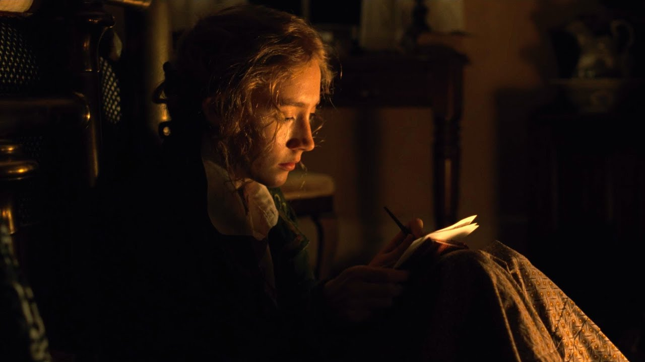 Little Women (2019): Jo concentrates on writing her novel deep into the night.
