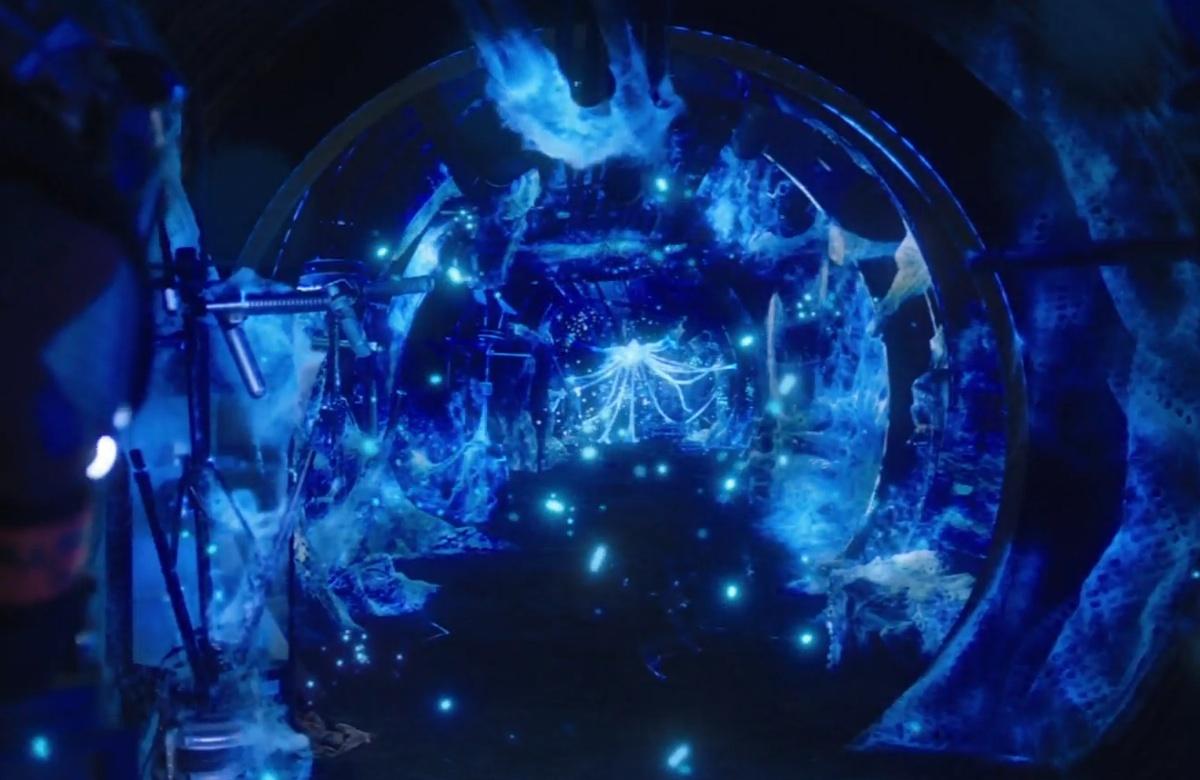 The deadly, glowing blue protomolecule