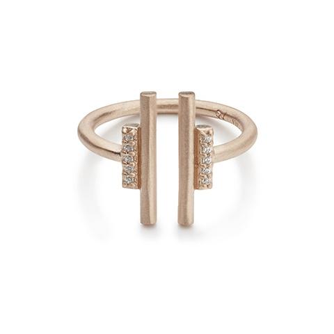 Vera Vega Rings  ManhattanGold-plated Lenox ring.