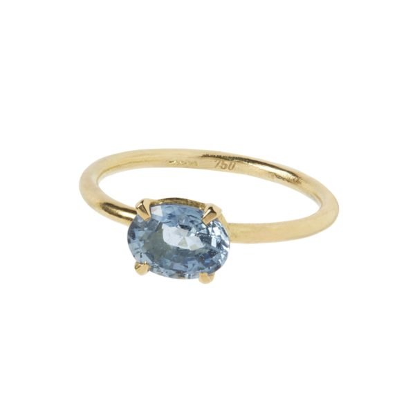 Carré Jewellery Rings  FOREVER AFTERBlue oval sapphire ring