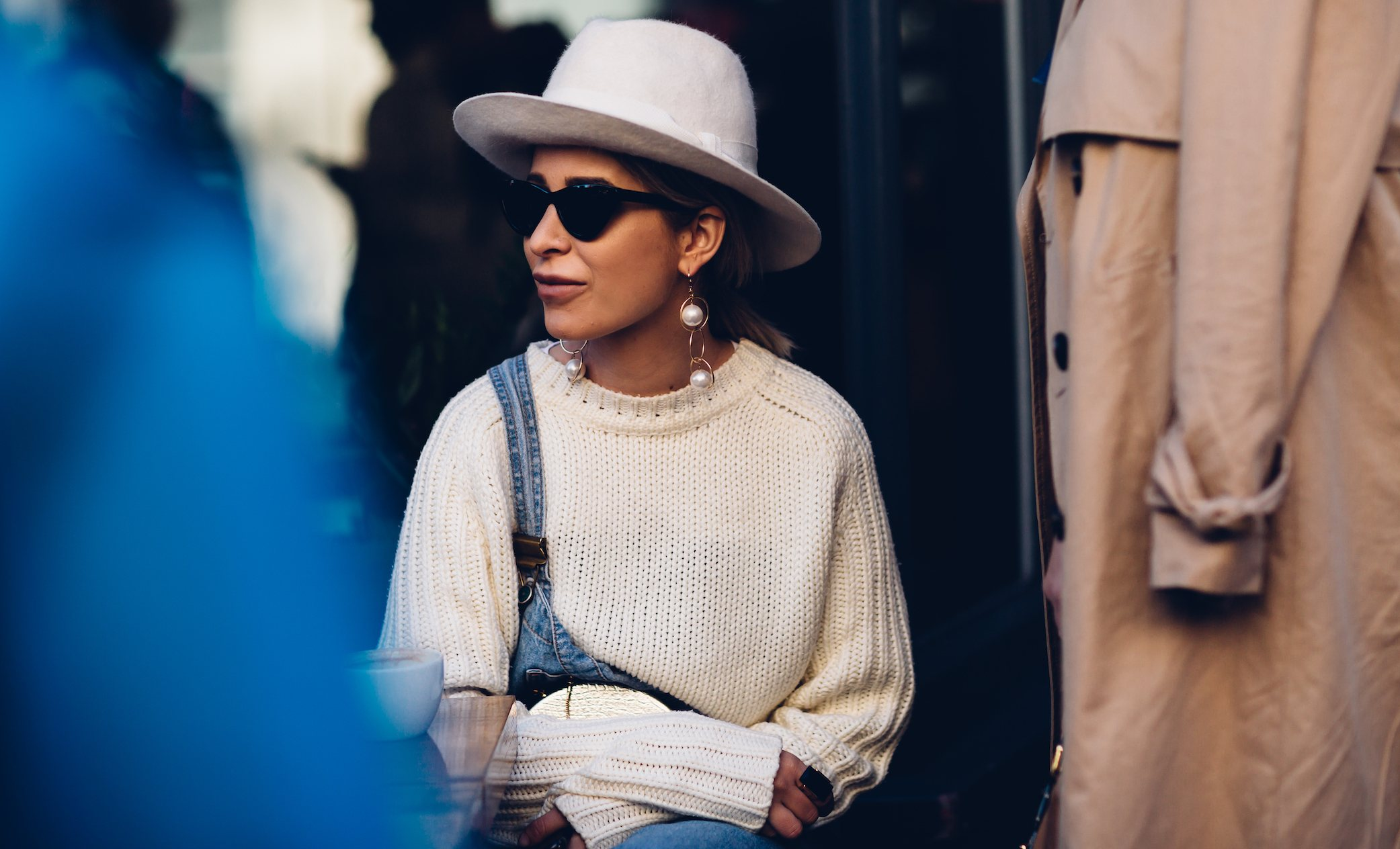 pearlearring woman profile jewellery streetsphoto
