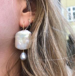 MaryLou Earrings  Maxi Pearls SingleMaxi Pearl Earring.