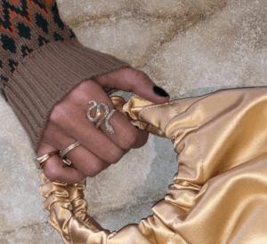 Ole Lynggaard Copenhagen Rings  SnakesRing Medium Pavé Snakes