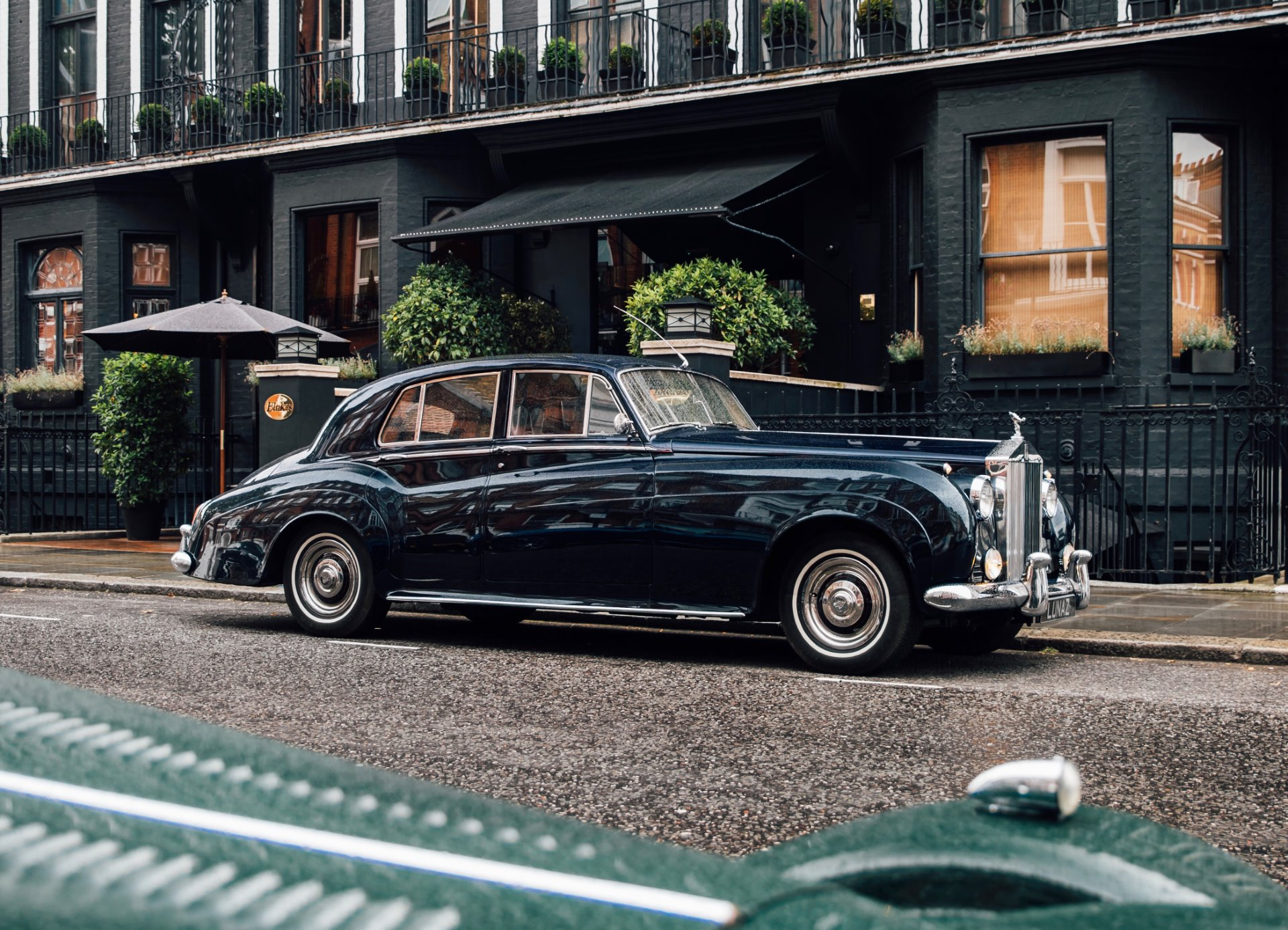 Lunaz Unveils World S First Electric Classic Rolls Royce Cars Watch I Love