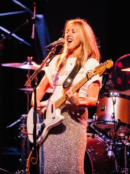Liz Phair performing live