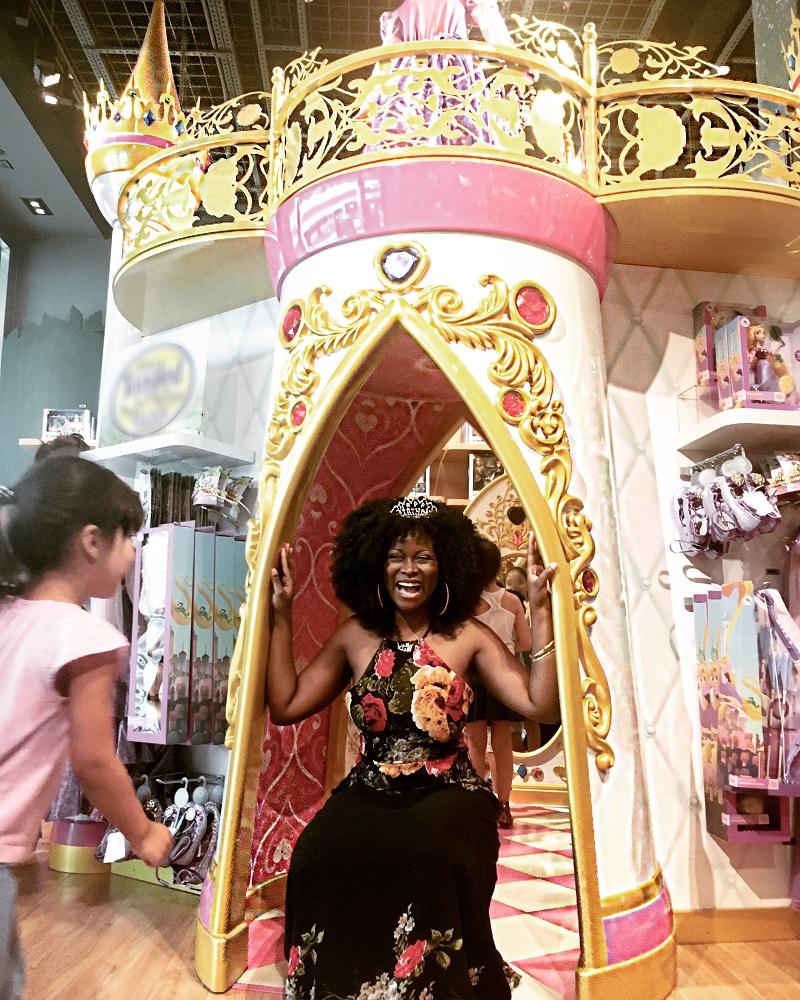 Lifestyle Blog Blogger- Abiola Abrams