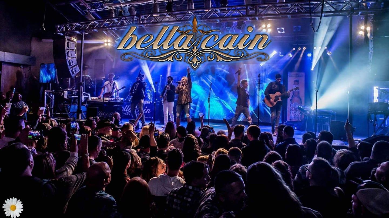 Bella Cain Live at Niko's