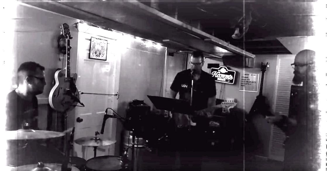 Live Music at Mixin Mingle with Catapult Productions