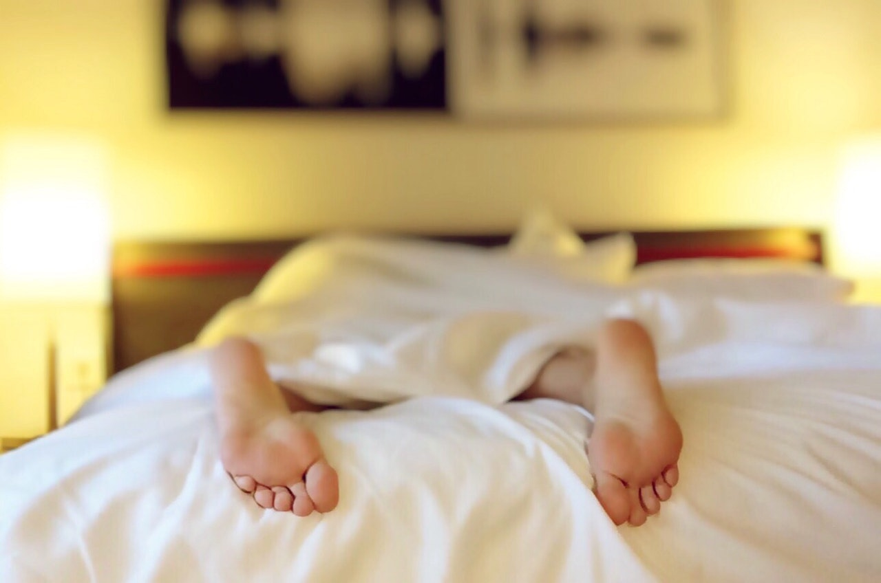 how to fall asleep mindfully