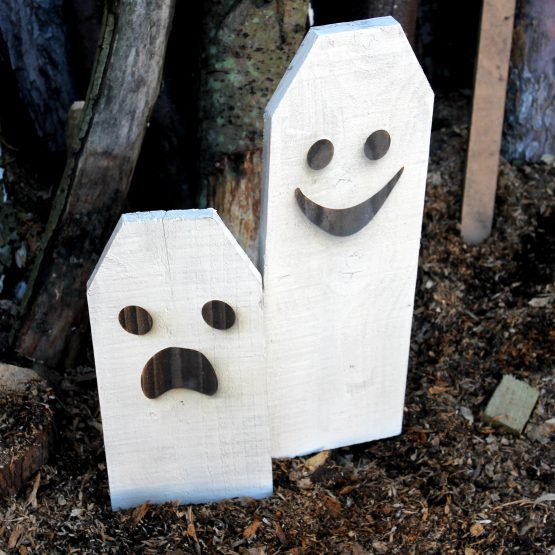 wooden Ghost halloween sign