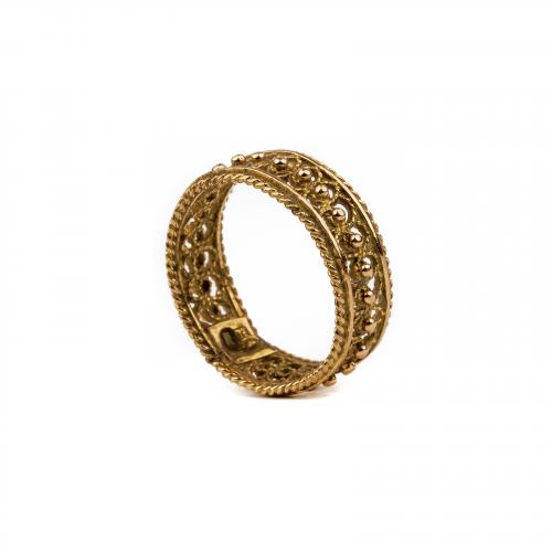 Filigree gold ring