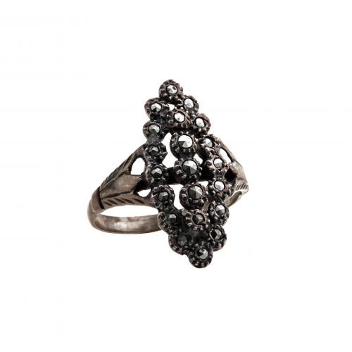 Victorian antique ring