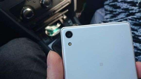 Sony-Xperia-C6-3