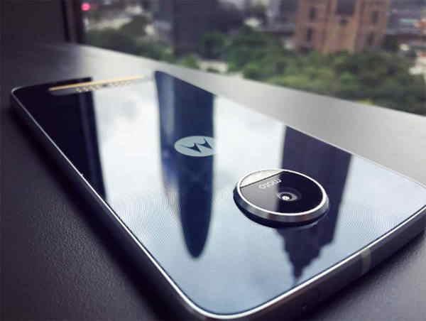 Moto Z Play další uniklé fotografie   androidhry