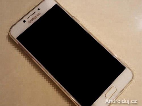 Samsung C7 Pro na fotkách