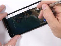 Jak na opravu Google Pixel 2 XL