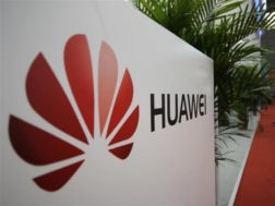 První skládací telefon od Huawei bude také první s 5G podporou