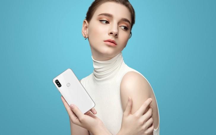 Motorola P30 - bílá varianta