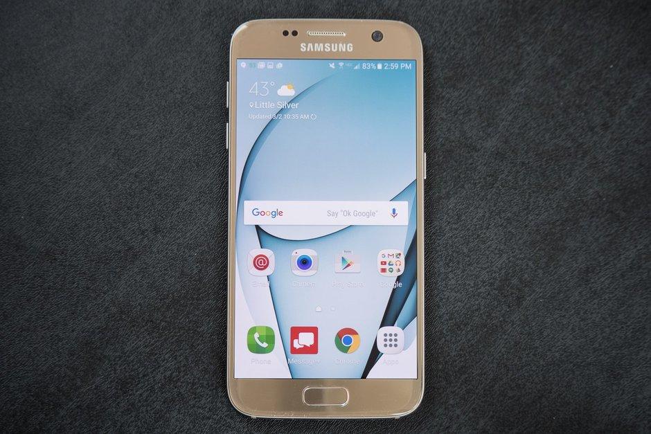 Samsung Galaxy S7 s rovným displejem