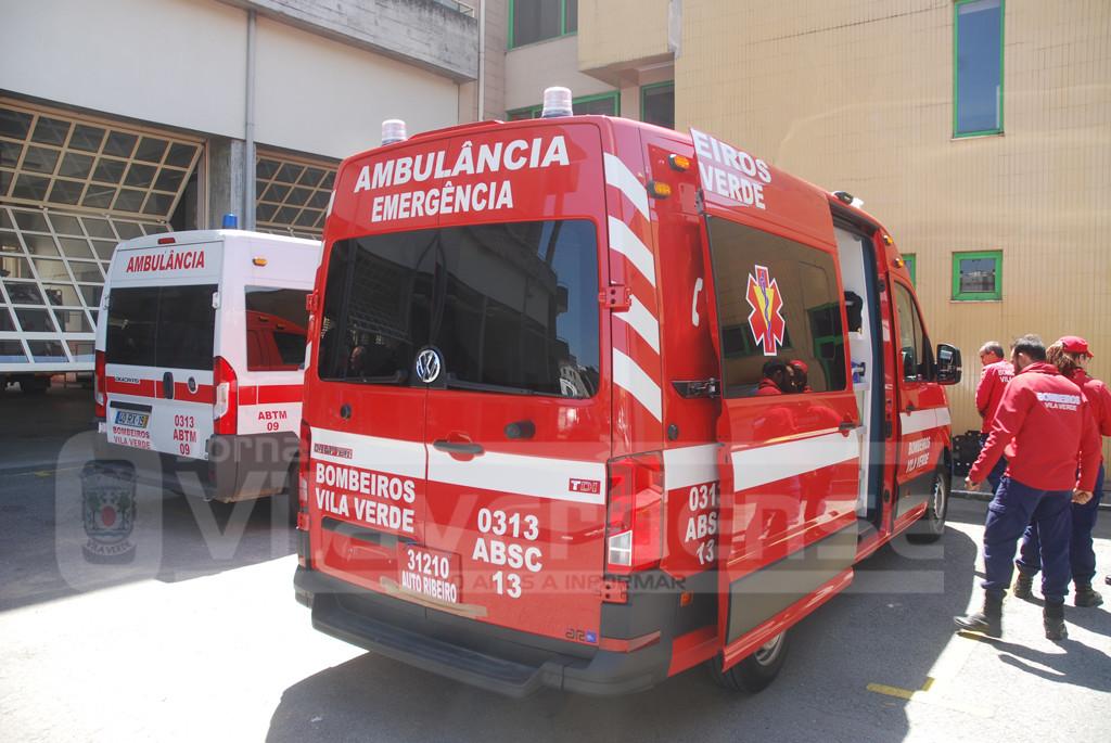 VILA VERDEBombeiros recebem nova ambulância de socorro