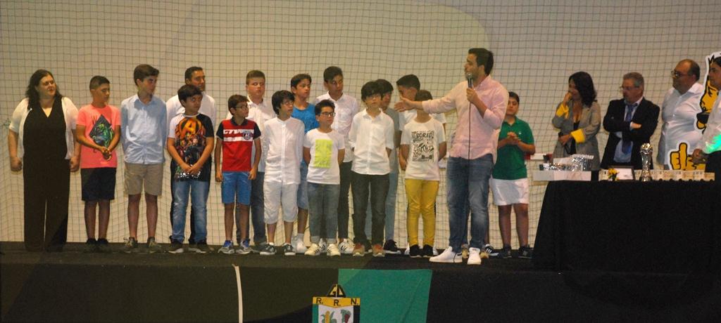 GDR Ribeira do Neiva distinguiu atletas e homenageou campeões