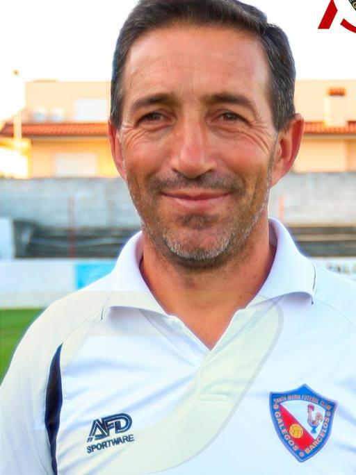 João Salgueiro continua no Santa Maria