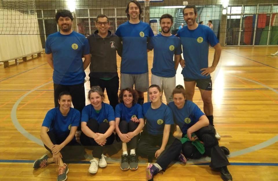 Professores do AE Amares são campeões no Voleibol