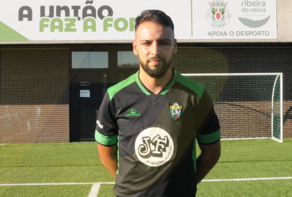 João Pereira resolve o dérbi fora de horas