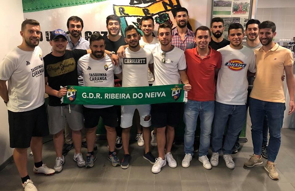 Ribeira do Neiva renova com 13 jogadores e promove quatro juniores