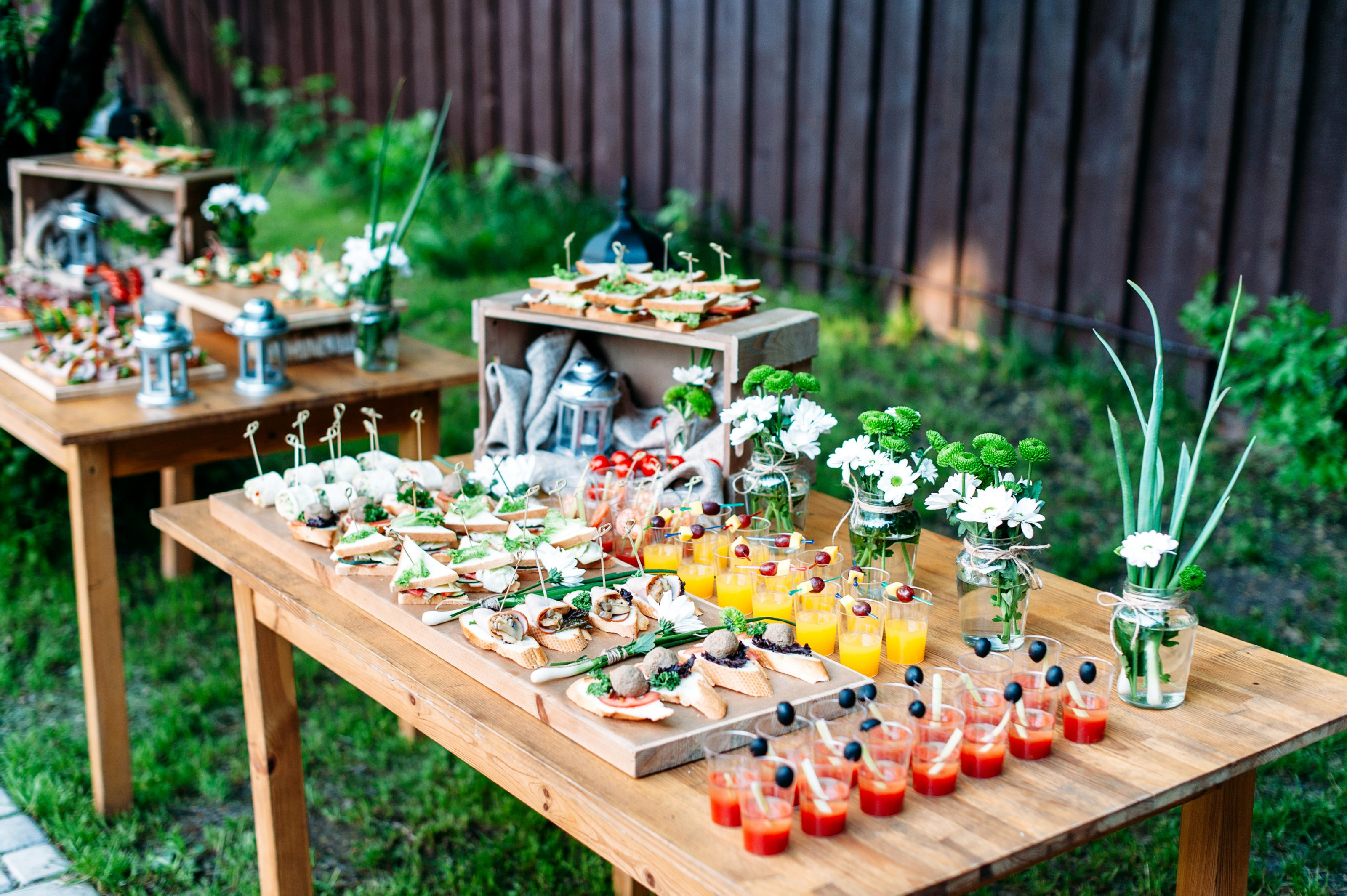 buffet garden party