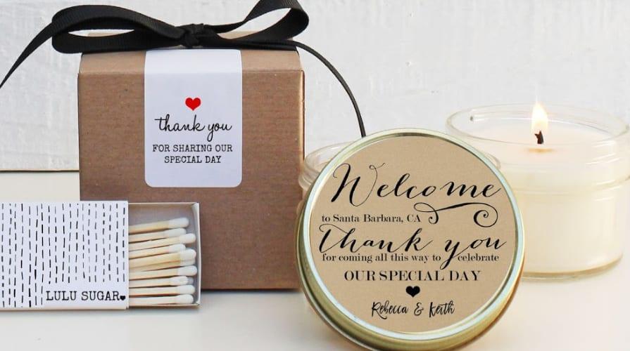 Une petite bougie à offrir en cadeau de remerciement aux invités de votre mariage.