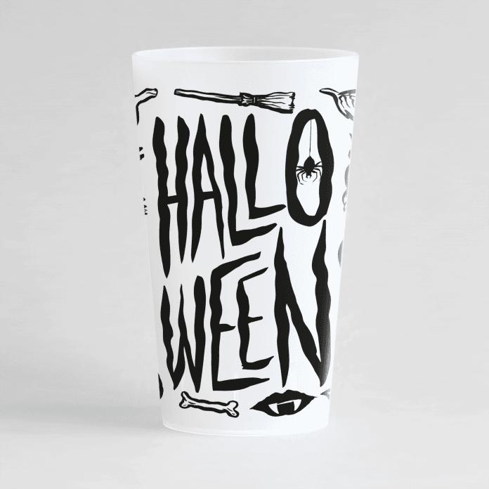 Un ecocup givré de face pour une soirée halloween avec des dessins à thème.