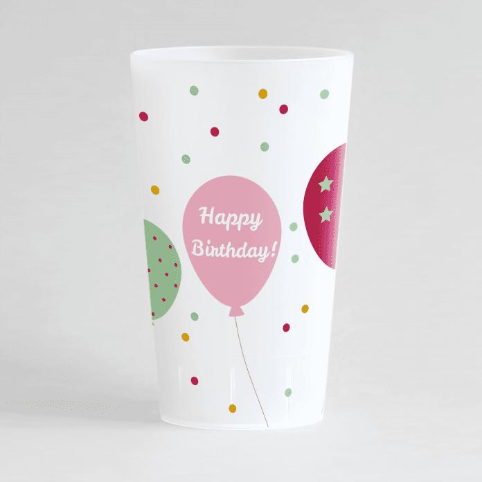 """Un ecocup givré de face sur le thème anniversaire avec des ballons et des confettis, ainsi qu'une inscription """"happy birthday""""."""