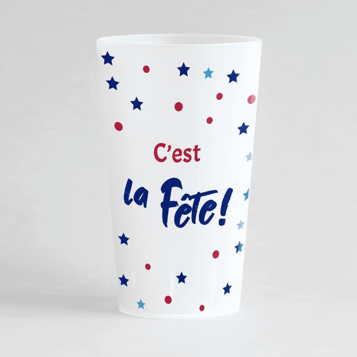 """Un ecocup givré de face, sur un thème anniversaire avec une inscription """"C'est la fête !"""""""